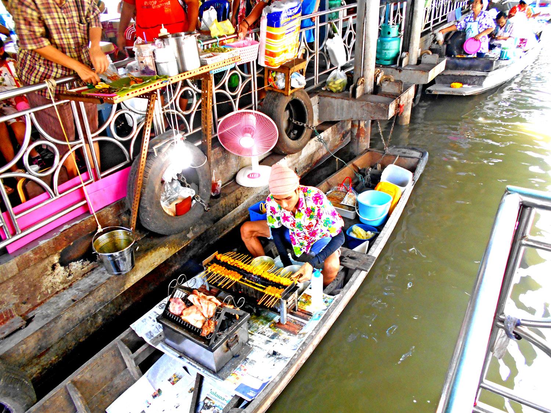 Taling Chan, Floating Market, Bangkok, Thailandia